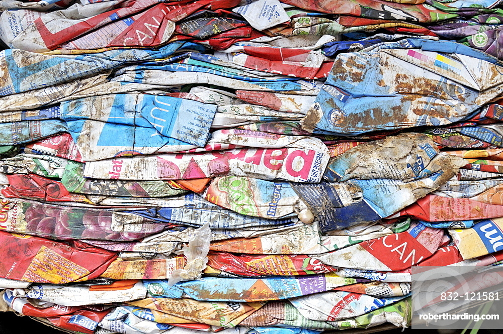 Separated waste for recycling of recyclable materials, Tetrapak, Ceilandia, satellite town of Brasilia, Distrito Federal, Brazil, South America