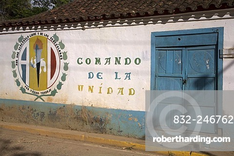 Graffiti promoting the union of the country, Venezuela, South America