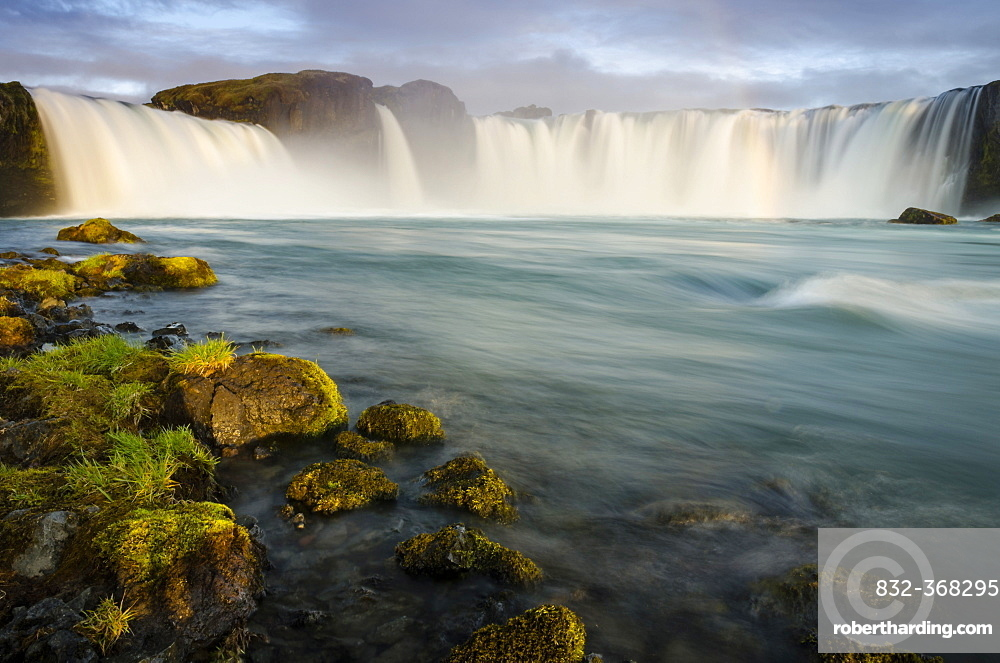 Goðafoss waterfall on the Skjálfandafljót river, Ring Road, Norðurland eystra, Northeast Iceland, Iceland, Europe