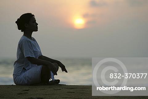 LKA, Sri Lanka : Siddhalepa Ayurveda Resort, Meditation, Yoga, at the beach.