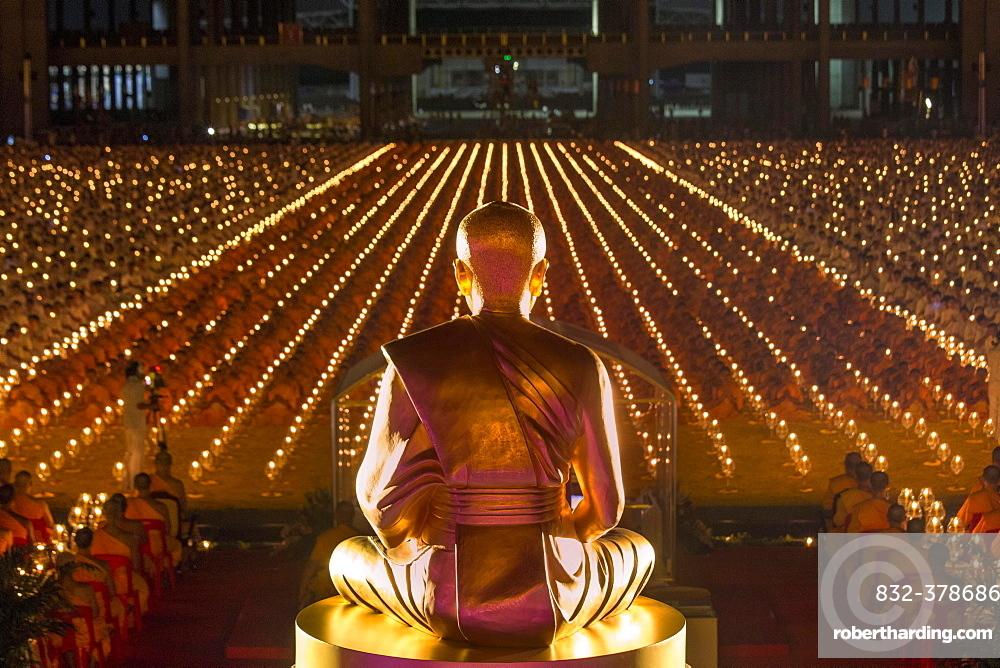 Wat Phra Dhammakaya Temple Golden Stock Photo