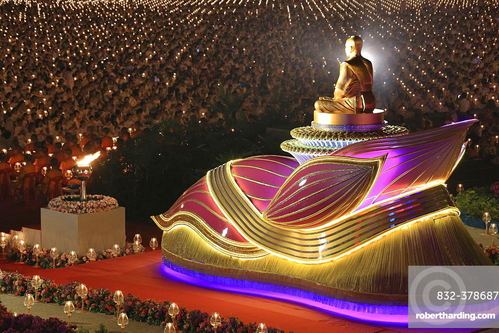 Wat Phra Dhammakaya temple, Golden statue of Phra Mongkol Thepmuni, Phramongkolthepmuni, Khlong Luang District, Pathum Thani, Bangkok, Thailand, Asia