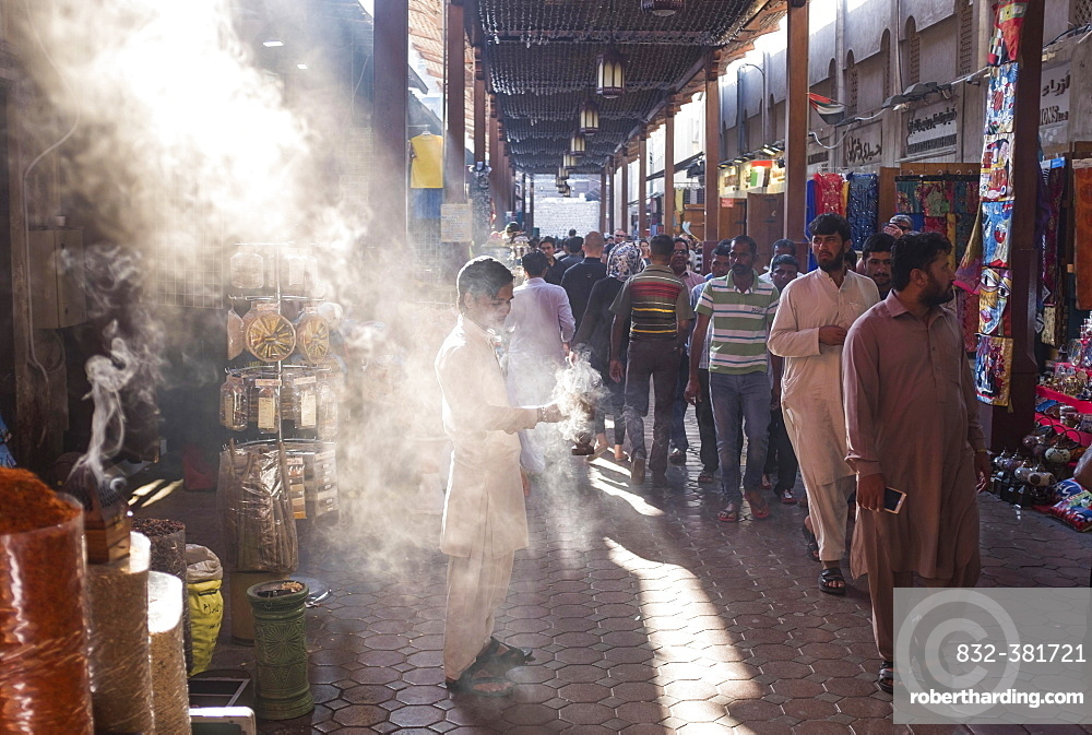 Market, Souk in Old Dubai, atmospheric light, Dubai, United Arab Emirates, Asia