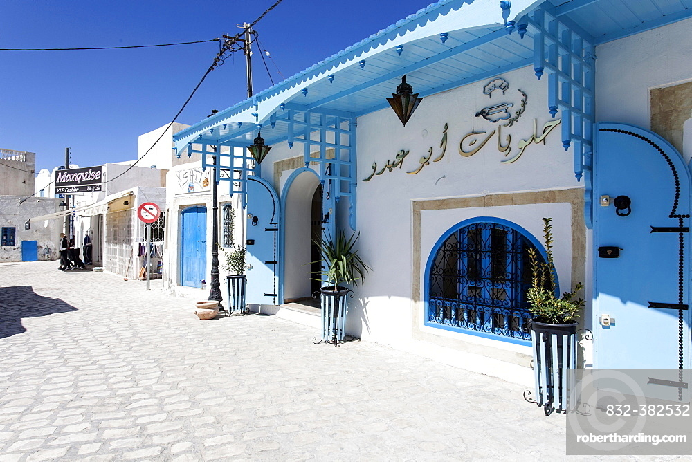 Alley in the town of Houmt Souk, Djerba, Tunisia, Africa