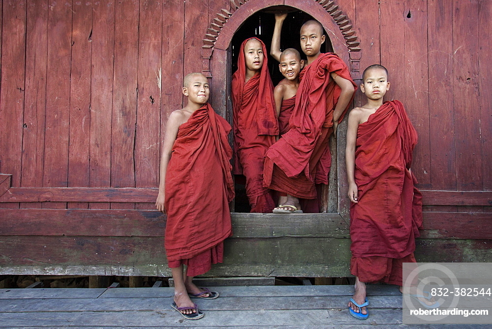 Novice monks in the Shwe Yaunghwe Kyaung Monastery, near Nyaungshwe, Shan State, Inle Lake, Myanmar, Asia
