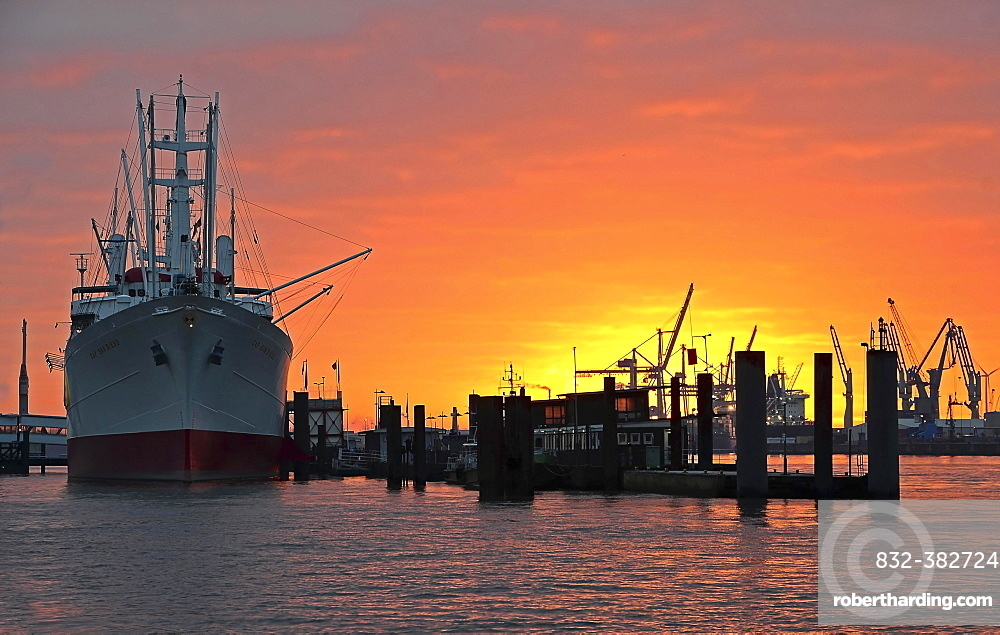 Cap San Diego, museum ship, Hamburg harbour at sunrise, Hamburg, Germany, Europe