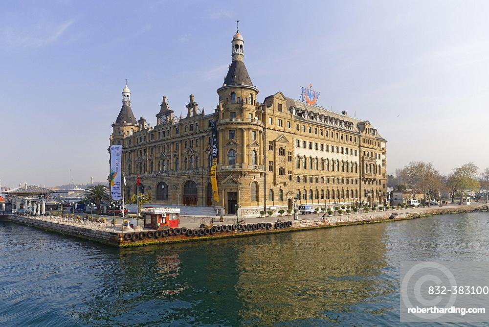 Haydarpasa Station on the Bosphorus, Kadikoy, Istanbul, Asian side, Turkey, Asia