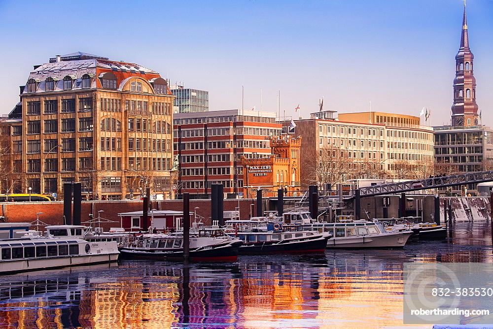 Binnenhafen port in winter, Hohe Brucke, Hamburg, Hamburg, Germany, Europe