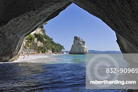 View through the rock arch in the Marine Reserve Cathedral Cove, Hahei, Coromandel Peninsula, North Island, New Zealand