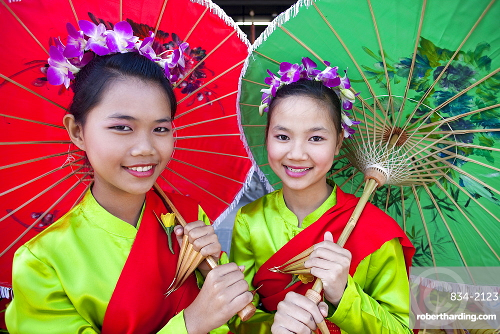 Girls in traditional Thai dress, Chiang Mai Flower Festival, Chiangmai, Thailand, Southeast Asia, Asia