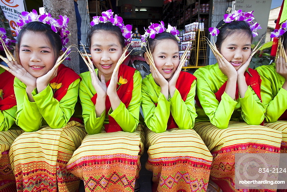 Girls in traditional Thai dress, Chiang Mai Flower Festival, Chiangmai, Thailand, Southeast Asia, Asia