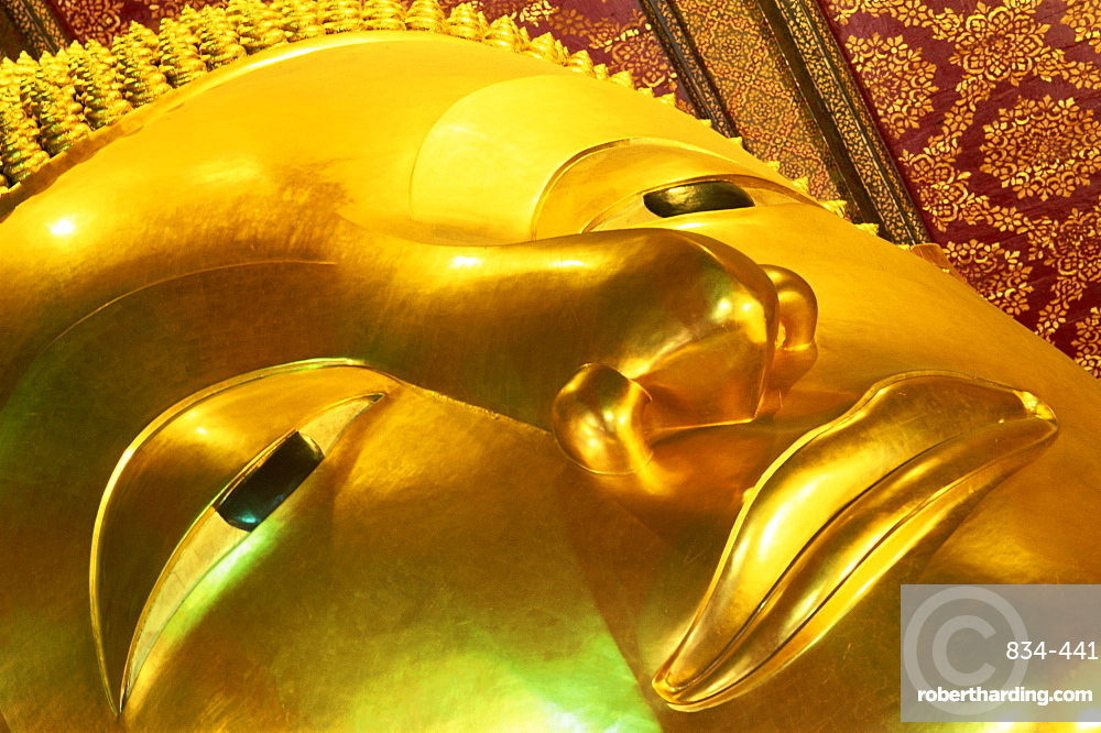 Detail of the Reclining Buddha, Wat Pho, Bangkok, Thailand, Southeast Asia, Asia