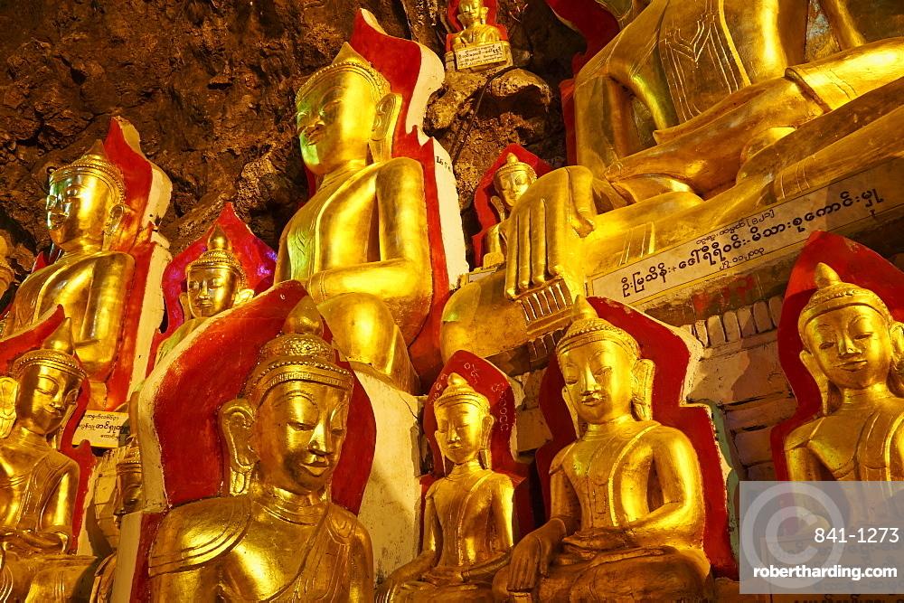 Statues of the Buddha, Shwe Oo Min natural Buddhist cave pagoda, Pindaya, Shan State, Myanmar (Burma), Asia