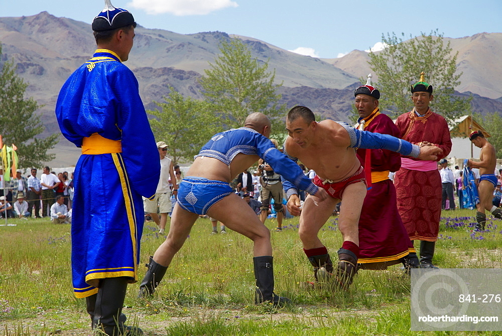 Wrestling at the national Naadam festival, Ovorkhangai, Mongolia, Central Asia, Asia