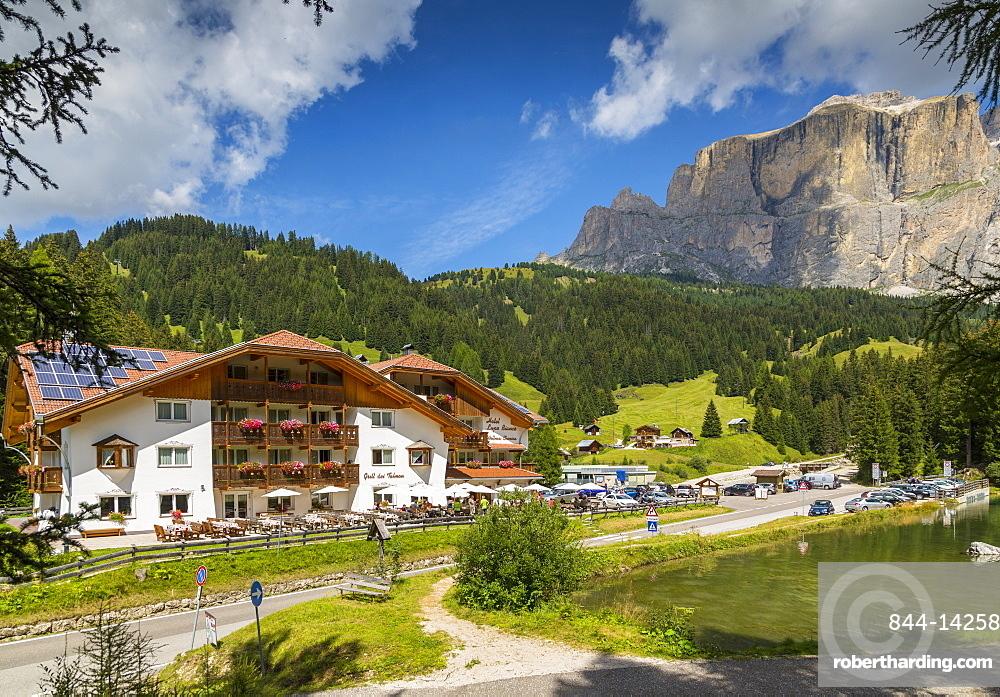 Hotel Lupo Bianco Wellness and Walking Canazei, Passo Pordoi with mountain backdrop, South Tyrol, Italian Dolomites, Italy, Europe