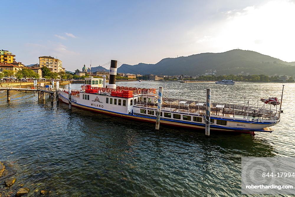 View of tour boat on Lake Como and Duomo visible, Como, Province of Como, Lake Como, Lombardy, Italian Lakes, Italy, Europe