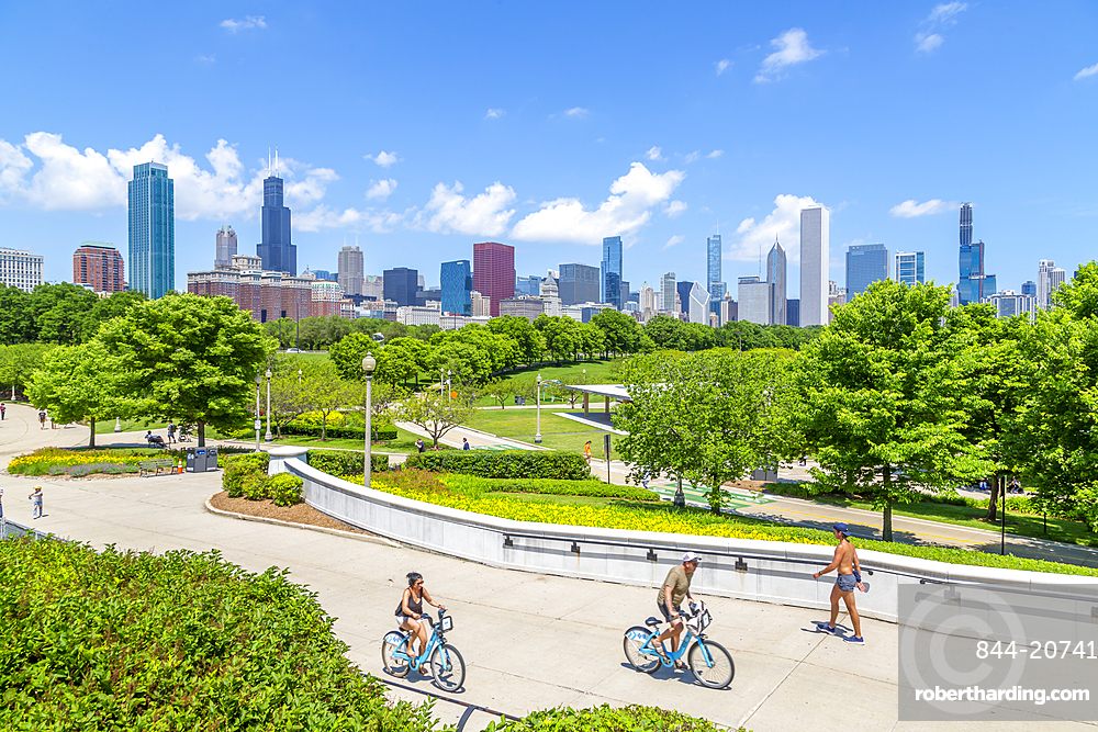 View of Chicago skyline from Shed Aquarium, Chicago, Illinois, United States of America, North America