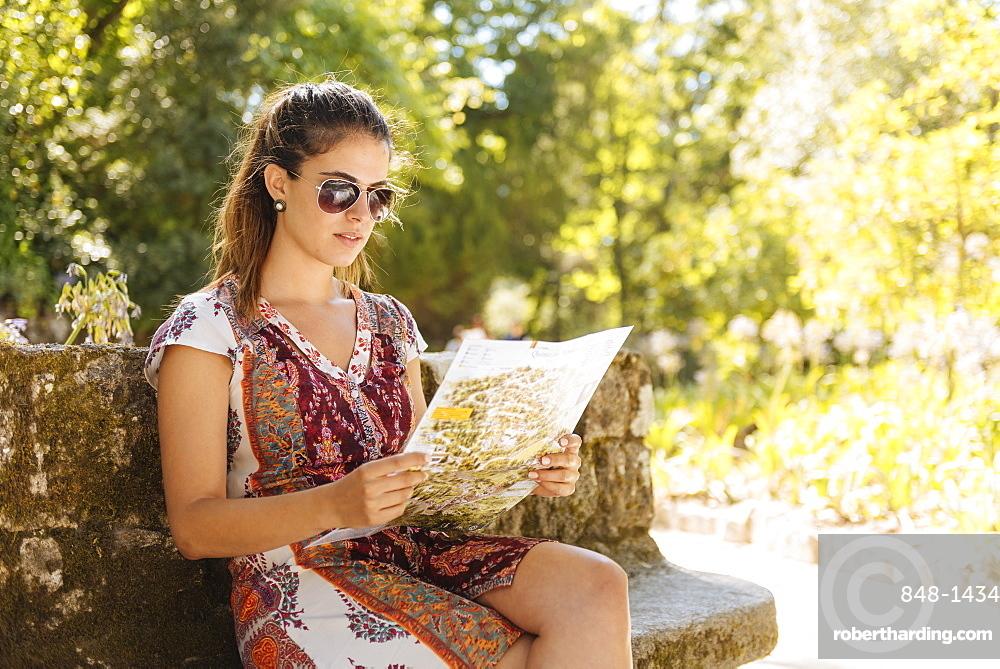 Tourist viewing map, Quinta da Regaleira, Sintra, Portugal, Europe