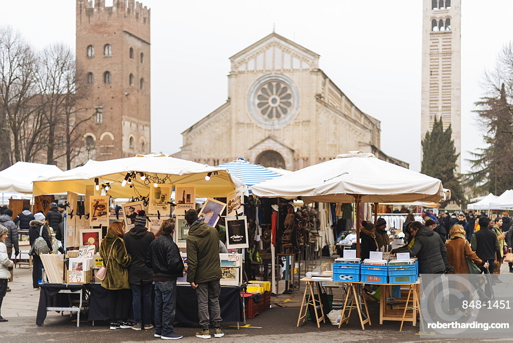 Sunday antiques market with Basilica di San Zeno Maggiore in background, Verona, Veneto Province, Italy, Europe