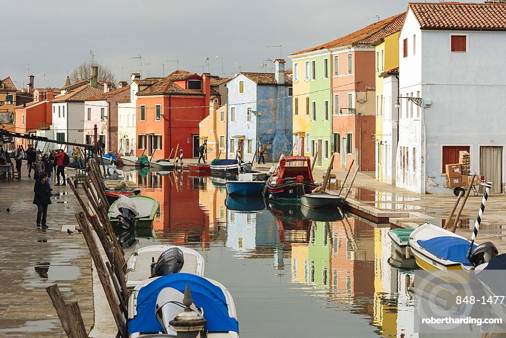 Canal, Burano, Venice, UNESCO World Heritage Site, Veneto Province, Italy, Europe