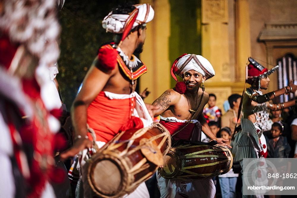 Duruthu Perahera Full Moon Celebrations at Kelaniya Raja Maha Vihara Buddhist Temple, Colombo, Western Province, Sri Lanka, Asia