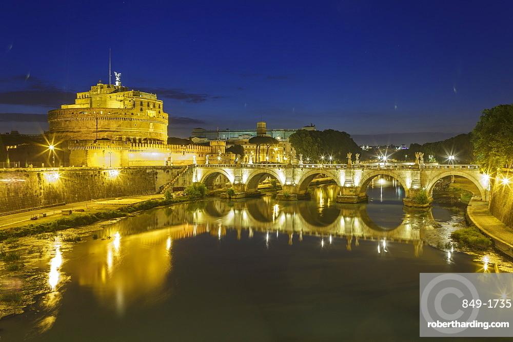Castel Sant Angelo and Ponte Sant Angelo, UNESCO World Heritage Site, Rome, Lazio, Italy, Europe