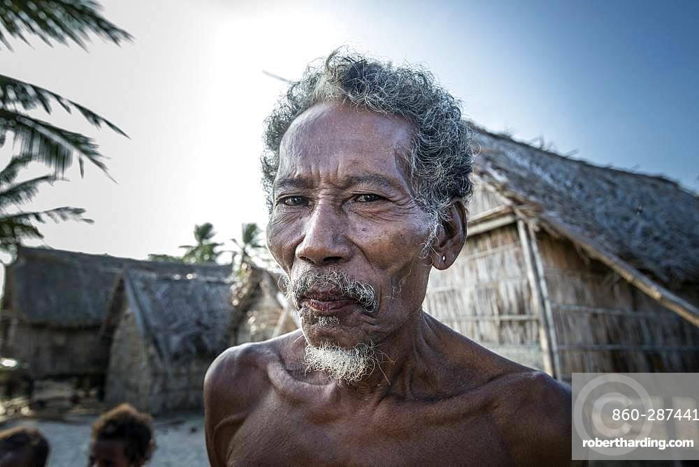 Tara Pacific expedition - november 2017 Yanaba Island, Egum Atoll, Papua New Guinea, Old man of Yanaba.