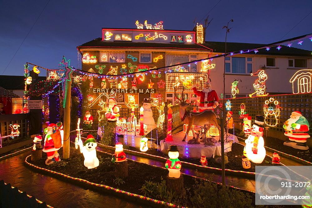 England Christmas Decorations.Christmas Decorations On A House Stock Photo
