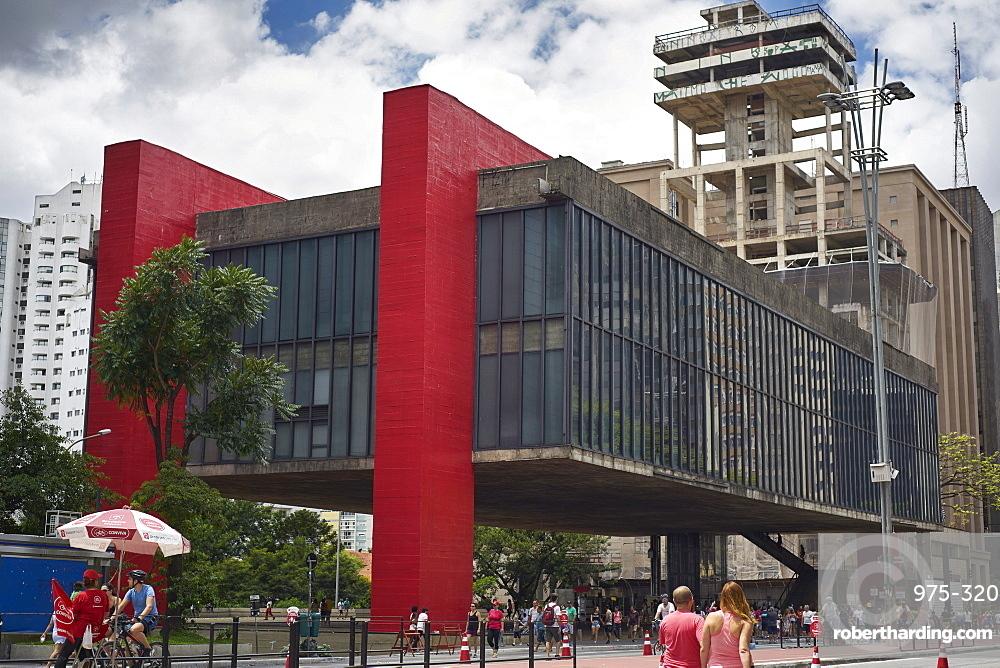 The Sao Paulo Museum of Art on Paulista Avenue, designed by Lina Bo Bardi, Sao Paulo, Brazil, South America