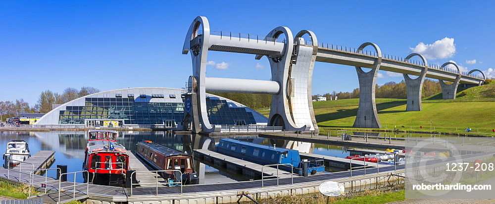 The Falkirk Wheel, Forth and Clyde Canal with Union Canal, Falkirk, Scotland, United Kingdom, Europe
