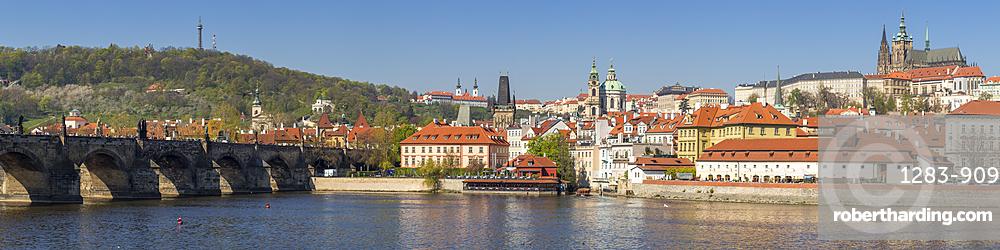 Panoramic view over Vltava River, Charles Bridge, the Mala Strana District and Prague Castle, Prague, Bohemia, Czech Republic