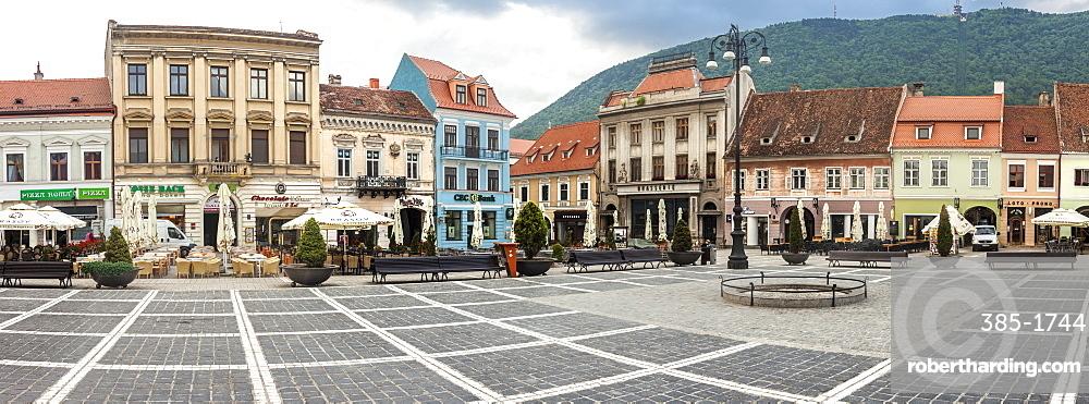 Old City Market Square, Piata Sfatului, Brasov, Transylvania, Romania, Europe