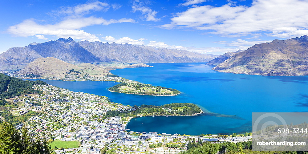 Aerial view of downtown Queenstown town centre, Lake Wakatipu and The Remarkables mountain range, Queenstown, Otago, South Island, New Zealand, Pacific