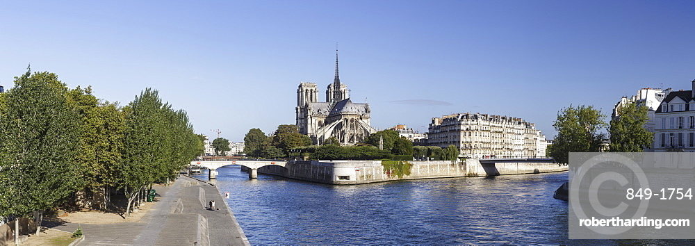 Notre Dame de Paris Cathedral and the River Seine, Paris, France, Europe