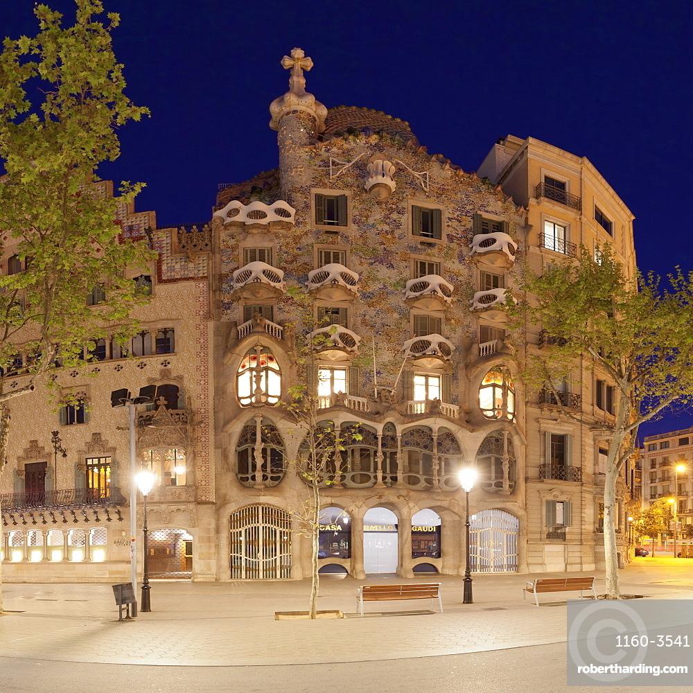 Casa Batllo, Antonio Gaudi, Modernisme, UNESCO World Heritage Site, Passeig de Gracia, Eixample, Barcelona, Catalonia, Spain