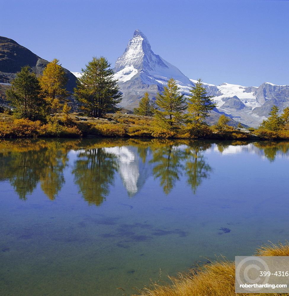 The Matterhorn mountain (4478m), Valais (Wallis), Swiss Alps, Switzerland, Europe