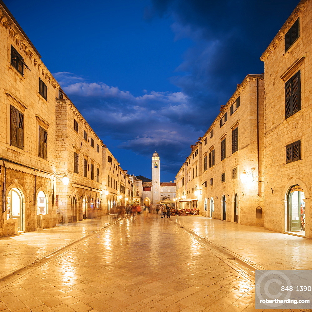 Stradun, Old Town, UNESCO World Heritage Site, Dubrovnik, Croatia, Europe