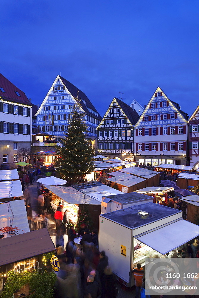 Weihnachtsmarkt H.Weihnachtsmarkt In The Marktplatz Herrenberg Stock Photo