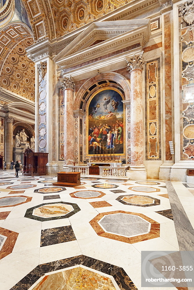 Altare de San Pietro Detto 'Della Bugia', St Peter's Basilica (Basilica di San Pietro), UNESCO World Heritage Site, Vatican City, Rome, Italy