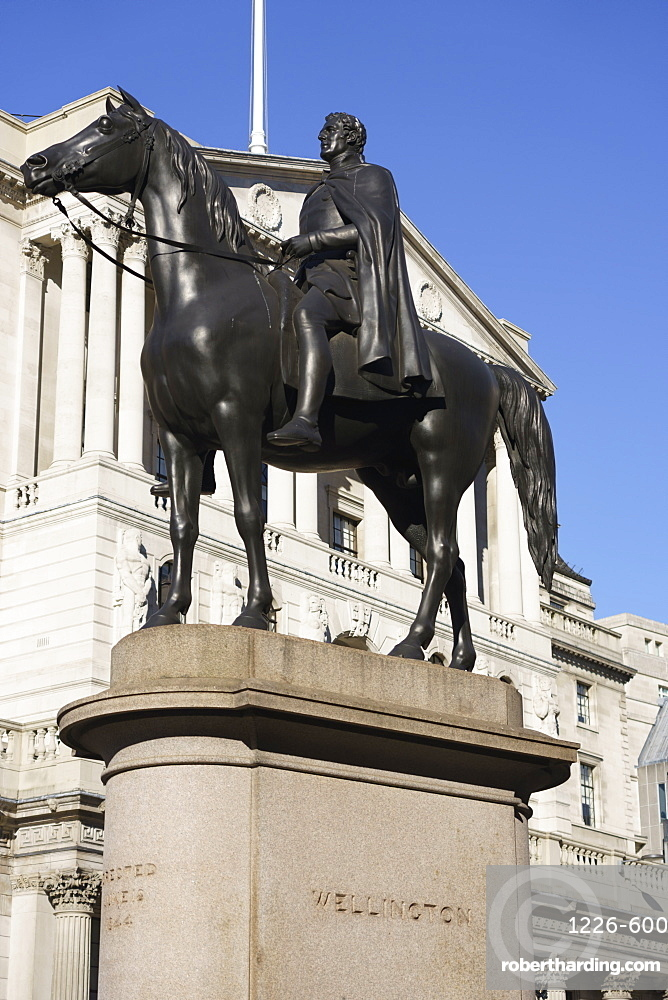 Equestrian statue of the Duke of Wellington outside the Bank of England, City of London, London, England, United Kingdom, Europe
