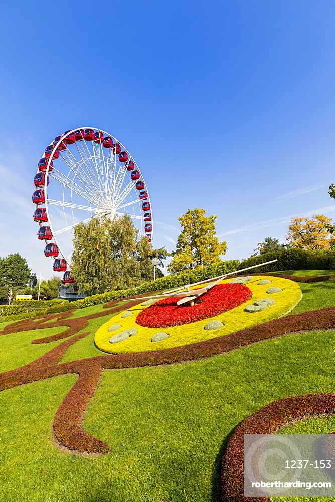 Ferris Wheel and L'horloge fleurie (flower clock), Jardin Anglais park, Geneva, Switzerland, Europe