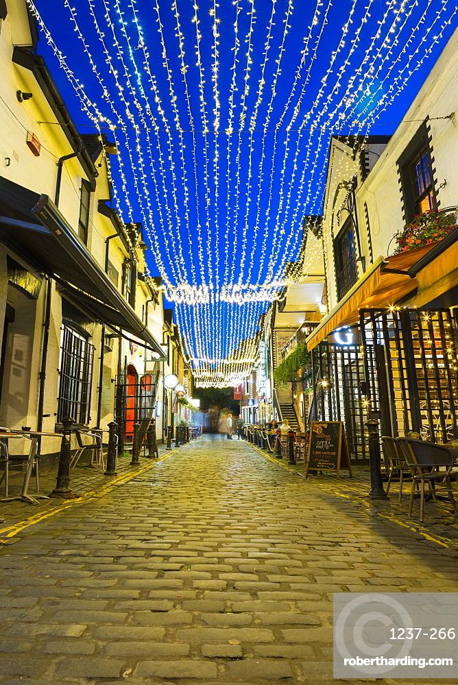 Cobbled backstreet of Ashton Lane, West End, Glasgow, Scotland, United Kingdom, Europe.