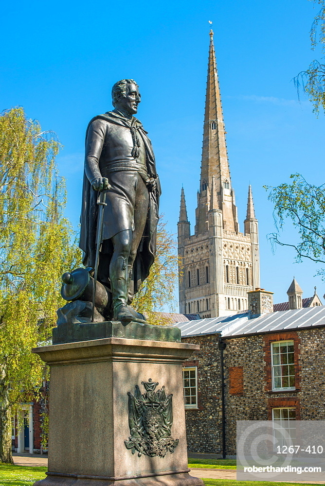 Statue of Wellington and the Spire of Norwich Cathedral, Norwich, Norfolk, East Anglia, England, UK.