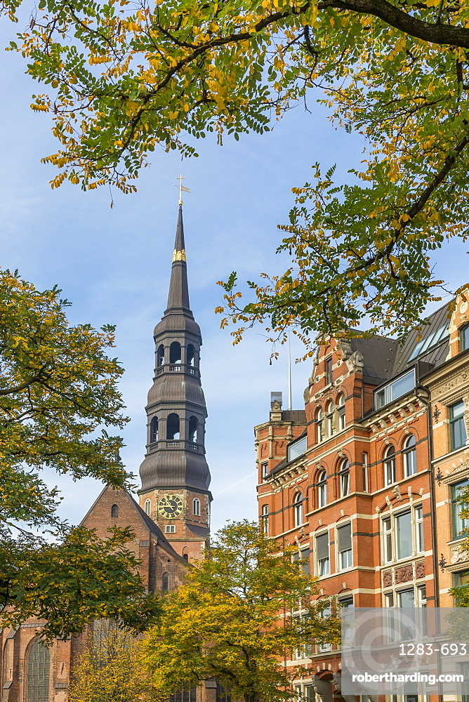 St. Catherine's Church (St. Katharinen-Kirche) and historical buildings at Zippelhaus, Hamburg, Germany, Europe