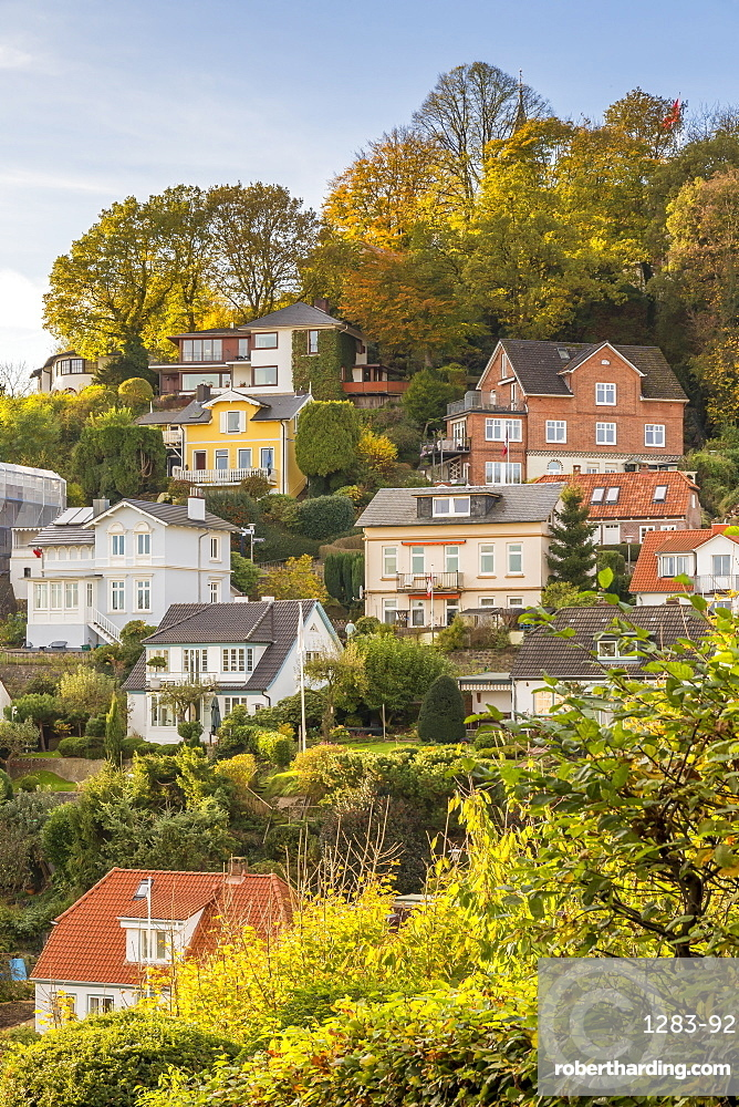 Small mansions at the (so-called) Treppenviertel of the Blankenese district in Hamburg during autumn