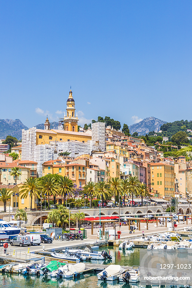 The harbour and the old town in Menton, Alpes Maritime, Provence Alpes Cote d'Azur, French Riviera, France, Mediterranean, Europe