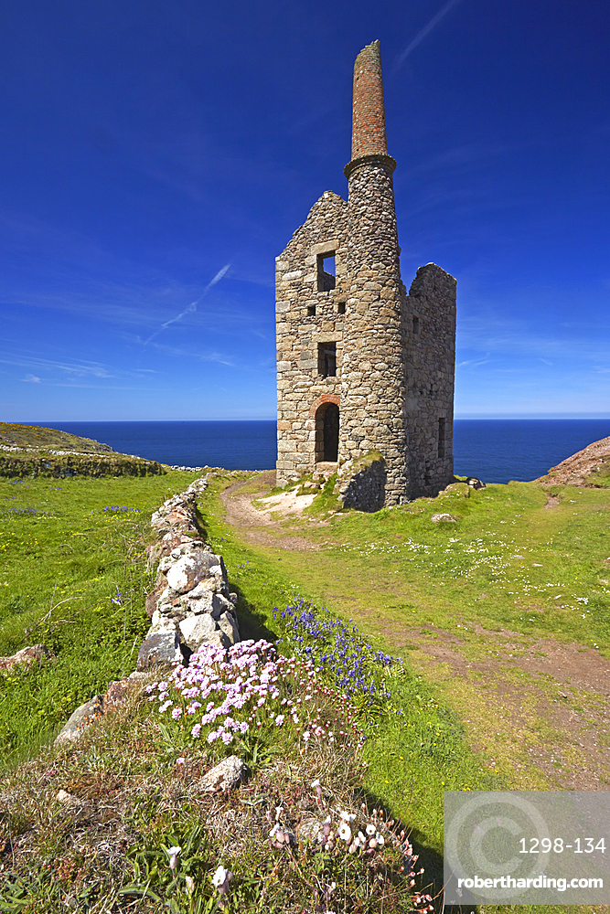Wheal Owles tin mining engine house near Botallack, Cornwall, England, United Kingdom, Europe