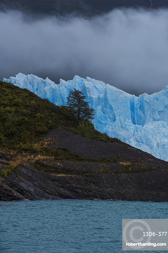 Perito Moreno Glacier in Los Glaciares National Park, UNESCO World Heritage Site, Santa Cruz Province, Patagonia, Argentina, South America