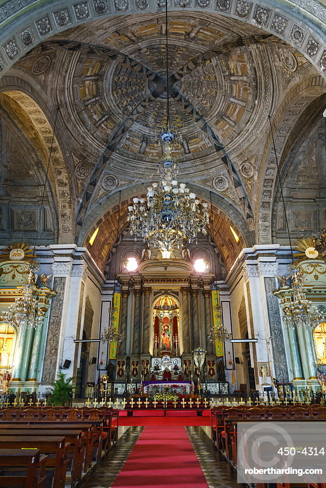 Interior of San Augustin Church, founded in 1571 by Augustinian Friars, Manila, Philippines, Southeast Asia, Asia