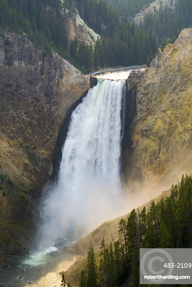 Yellowstone Falls and canyon, Yellowstone National Park, UNESCO World Heritage Site, Wyoming, United States of America, North America